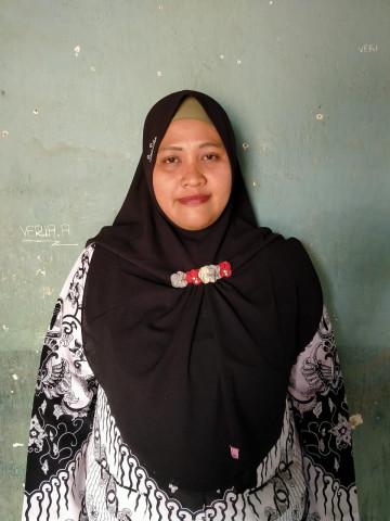 Ria Yuli Yanti, S.Pd